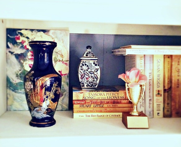 Blue vase shelf