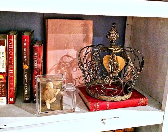 Crown bookcase