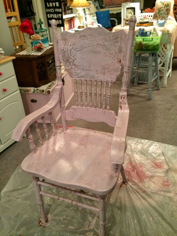 Pink crackle chair