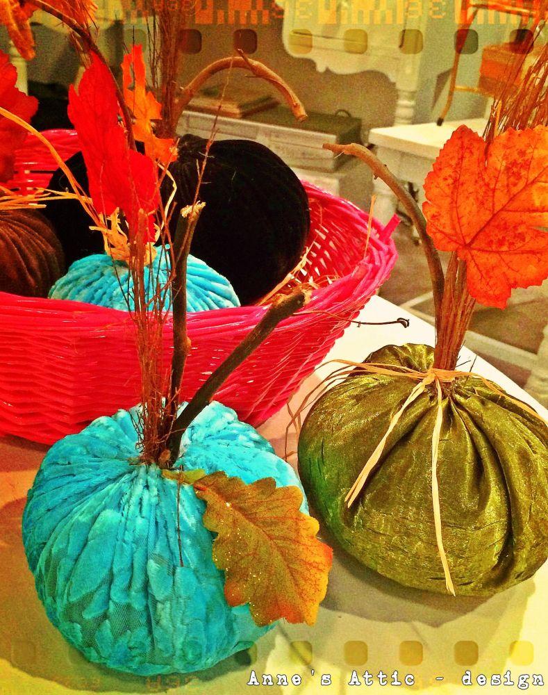 DIY Velvet, Mod Podge, and painted pumpkins!   (4/6)