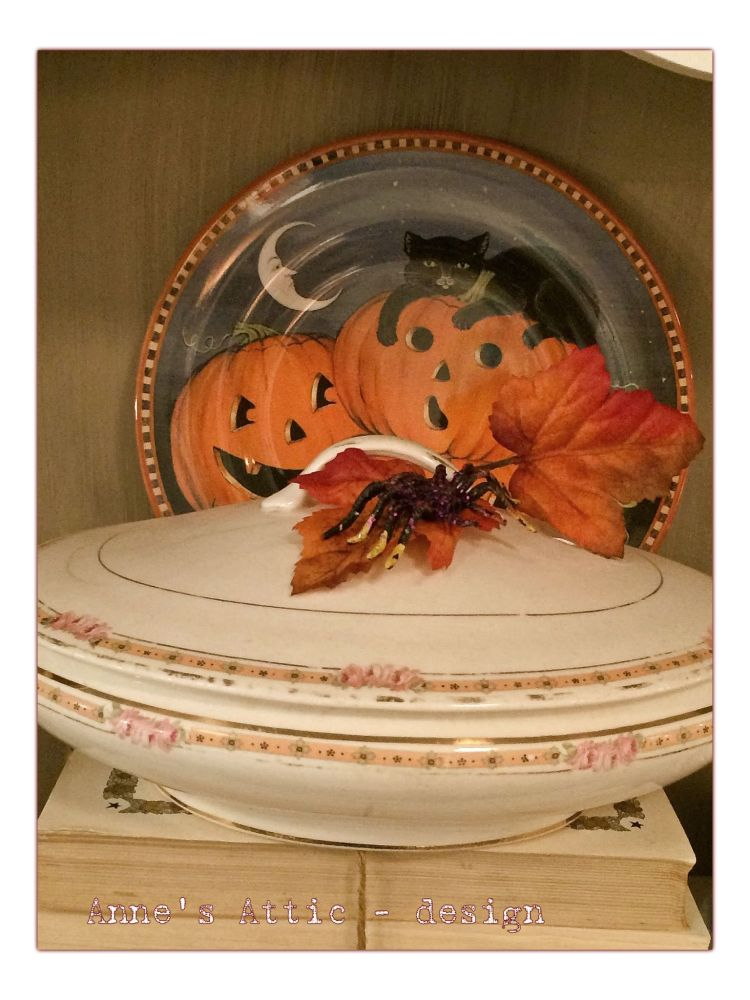 HALLOWEEN has come to Anne's Attic (6/6)