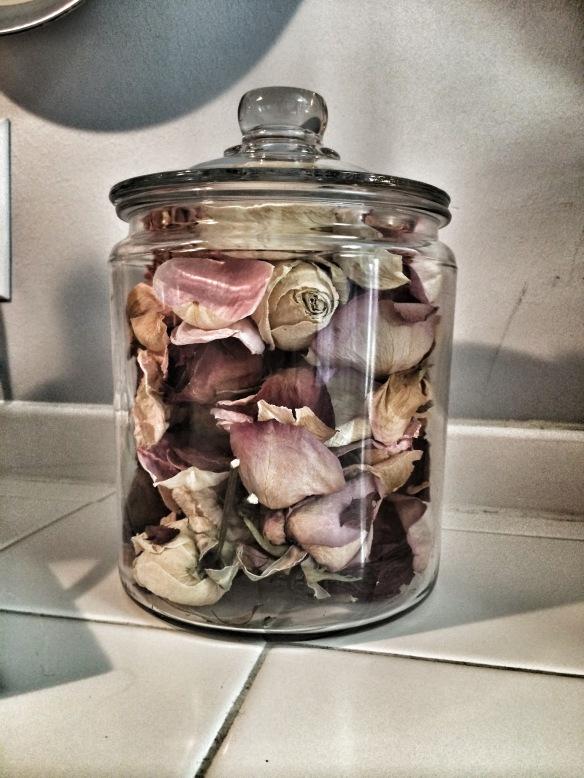 roses jar