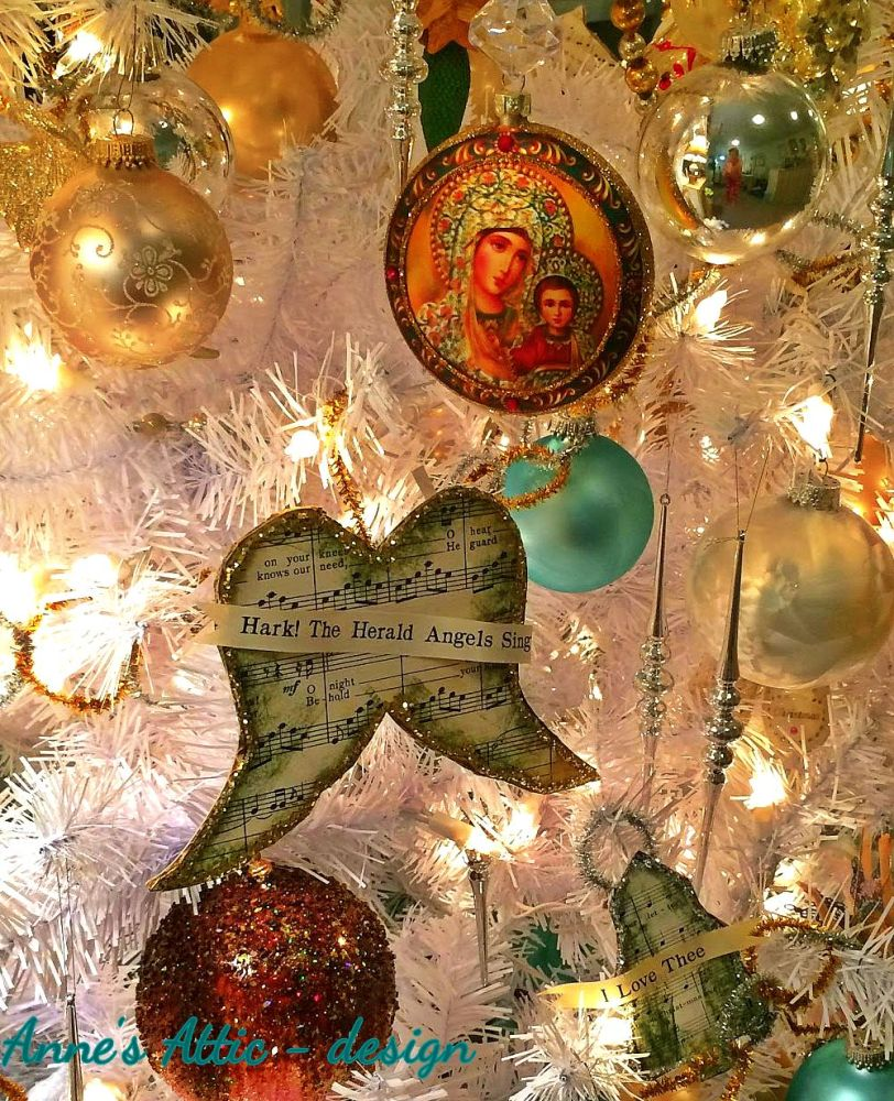Religious Christmas Relics in the Home (5/6)