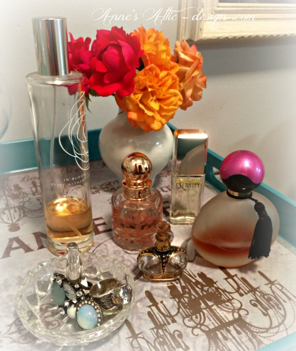 Tray perfume upclose