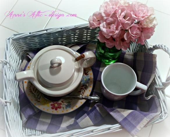 Tray tea service