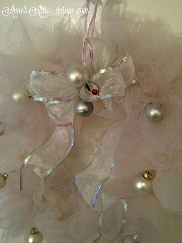 Wreath close up white
