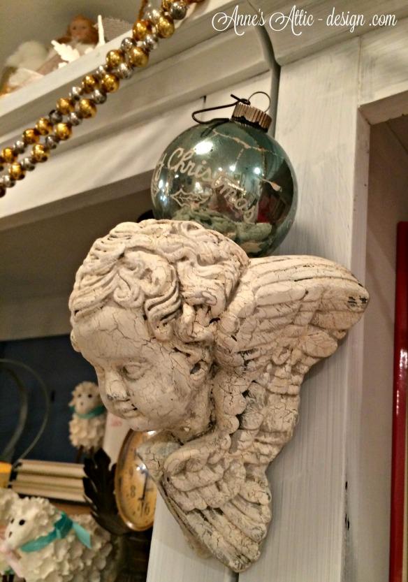 Tour angel ornament