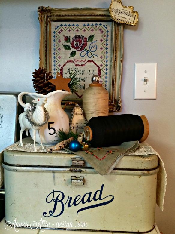 Tour bread box