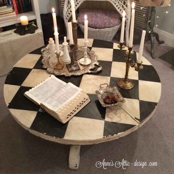 Tour coffee table