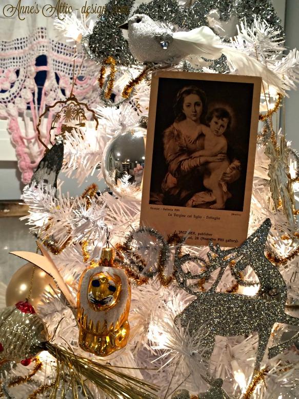 Tour tree ornaments