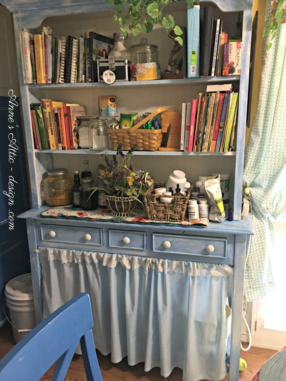 sue's blue hutch